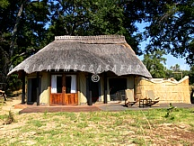 SAFARI CAMPS & LODGES